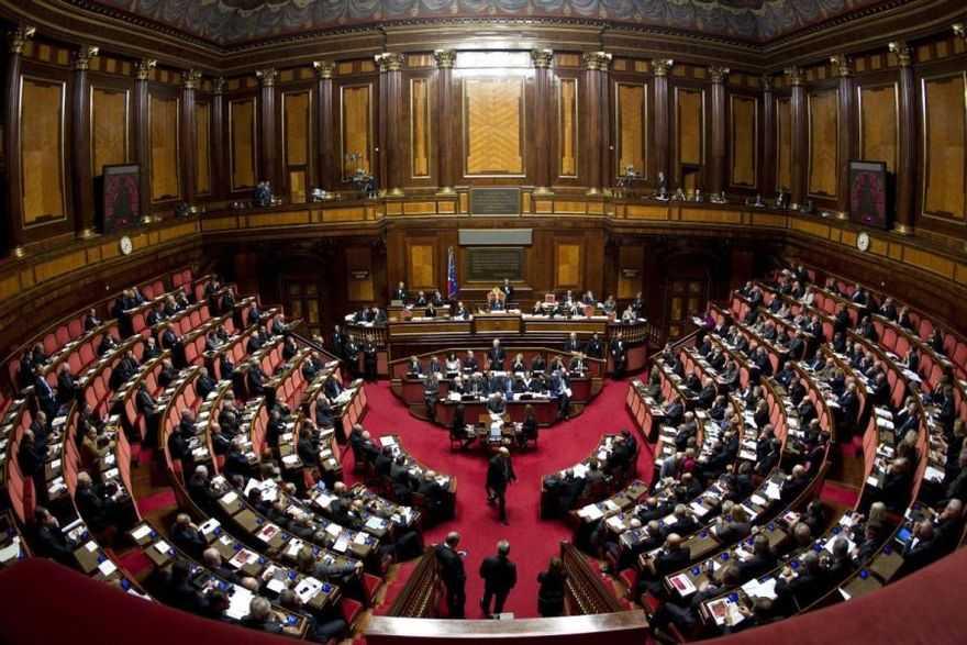 COSTI POLITICA,SVILUPPO,STABILITA',DICEMBRE DI FUOCO AL SENATO